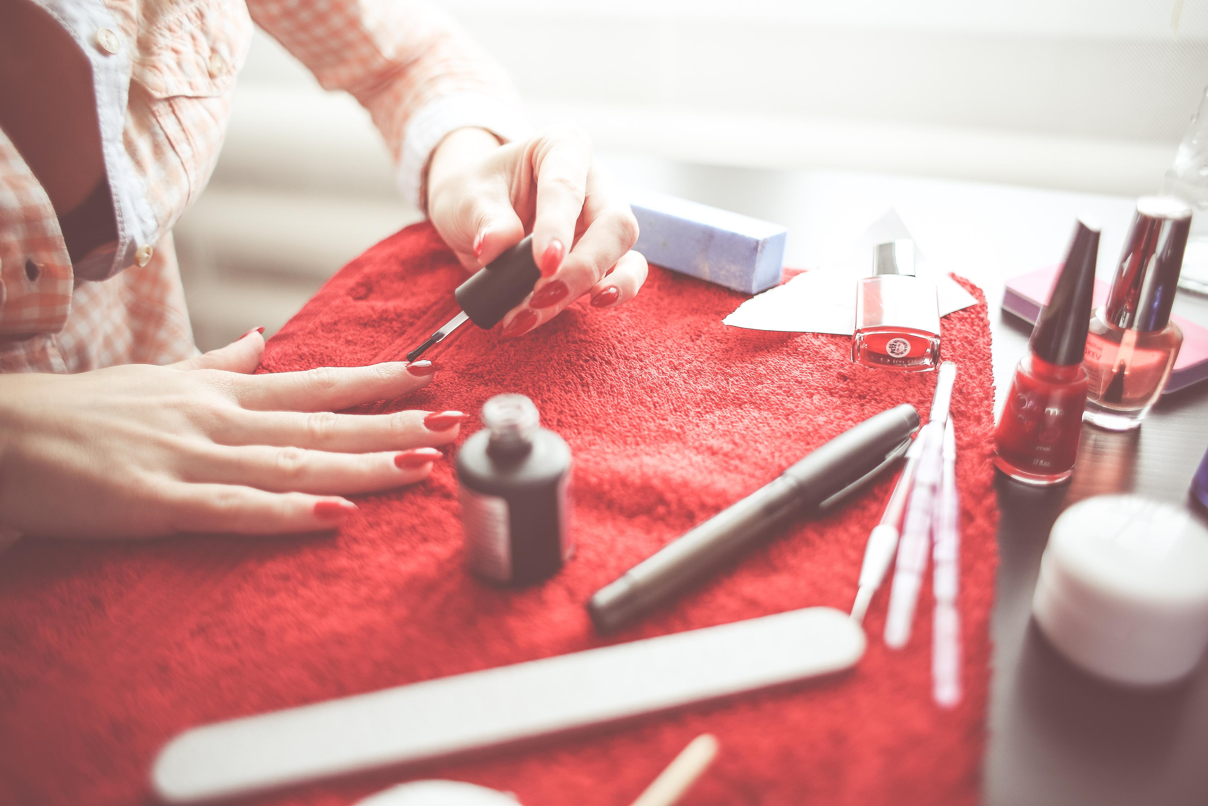 Akrylany w produktach do stylizacji paznokci